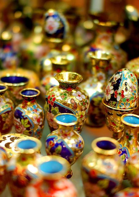 Brassware in Bazar Vakil